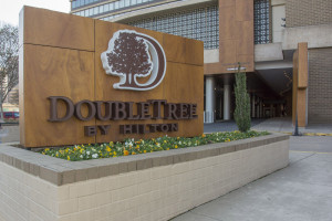 Doubletree DCA Airport Parking